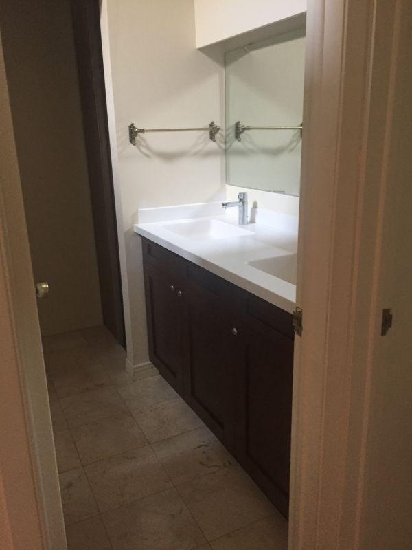 bathroom-385A55691-97D9-B0B0-6C38-EEB1415444EE.jpg