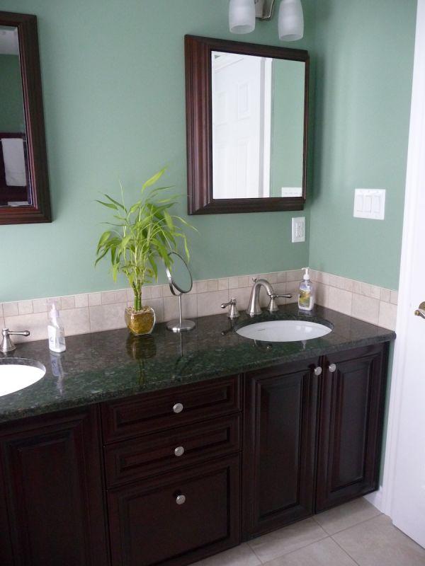 bathroom1184D3EA96-AEA2-7C44-89DD-DE26B06F44C6.jpg